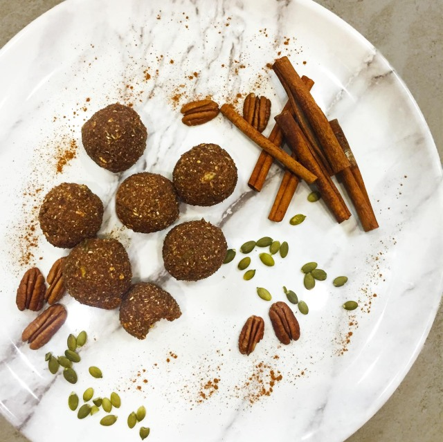 cinnamon pecan balls